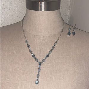 Women's necklace and earrings set